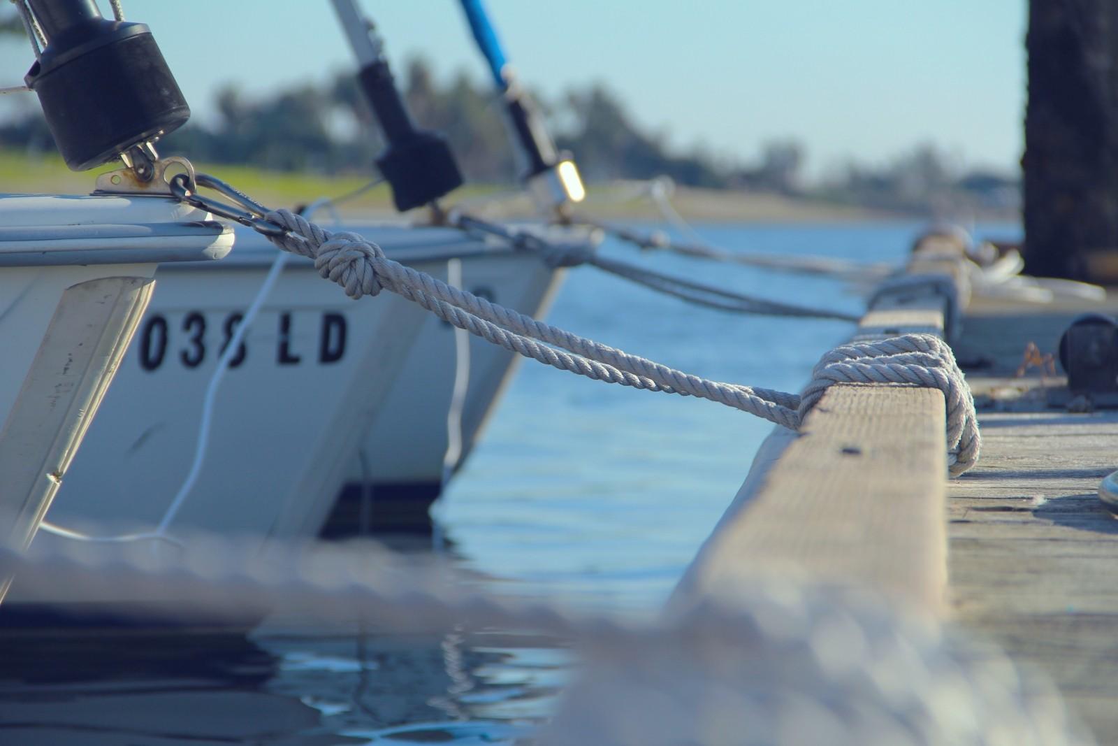 fishing-boat-moored-at-pier